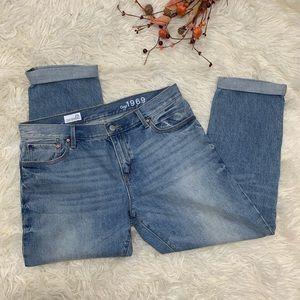 Gap Sexy Boyfriend Light Wash Jeans 29R